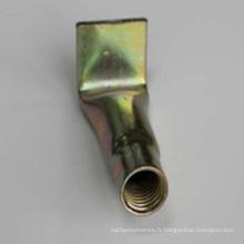 Douilles de fixation coudées pour matériaux de construction avec courbure de tuyau (matériel de construction)