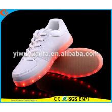 2016 zapatillas de deporte ligeras calientes vendedoras calientes de la zapatilla de deporte LED