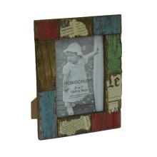 Antiguo marco de fotos hechas en madera para la decoración del hogar