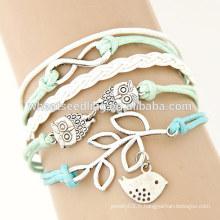 Bracelet fantaisie à la main