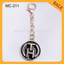MC211 Custom gold metal hang label handbag logo metal tagswith chain hook