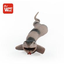 La venta caliente del shantou embroma el mini juguete realista educativo del caucho de la serpiente