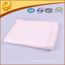2015 New Style Top Quality Wholesale Cellular Woven Bamboo Baby Blanket