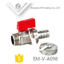 EM-V-A098 Válvula de bola de latón roscada niquelada 1/2 pulgada con tapa de seguridad