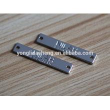 China bolso de venta caliente / ropa / sombrero etiqueta de color de encargo del bolso del metal del color con el logotipo grabado