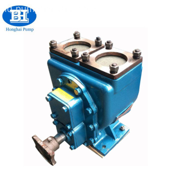 Self-priming dump truck tank pump