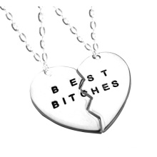 Wholesale Higher Quality Fashion Necklace Jewelry of Best Bitches (YN0176)