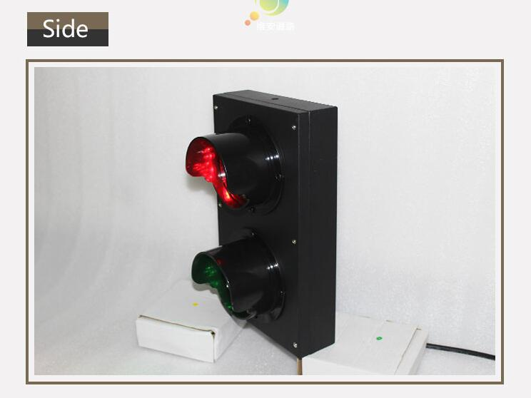 red cross green arrow traffic light-4