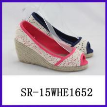 Los zapatos atractivos del verano de la nueva cuña de la manera pescan el alto talón del cordón del zapato