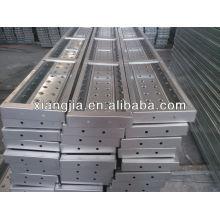 Китай пронзил стальная планка