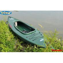 Cokpit Single sitzt im Touring Kayak