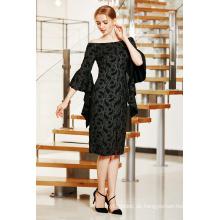 Elegantes Midi-Kleid mit gerüschter Glockenärmel und Schlitz vorne