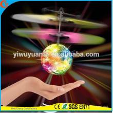Alta calidad Interesante Heli Ball infrarrojos Ray Interacción Mini artesanía Flying Ball