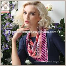 Las rayas lindas de Rose y la hada de seda de la bufanda del twill del diseño del punto de polca