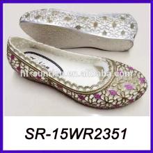 Las mujeres suaves de las mujeres de las mujeres de las mujeres suaves de la jalea de la luz calzan los zapatos