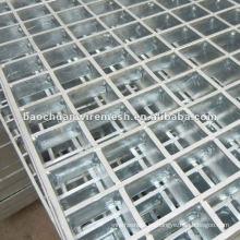 Metal expandido galvanizado / usado en la construcción en la carretera con el precio razonable en almacén (fabricante)