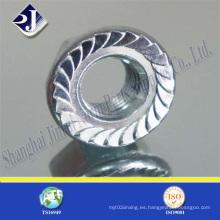 Tuerca hexagonal con revestimiento de zinc