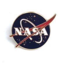 Insignia de pin de esmalte duro personalizado motivacional de la NASA