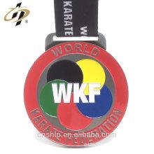 Les médailles originales de karaté en métal d'alliage de WKF d'alliage d'approvisionnement d'usine avec la lanière