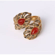 Fashion Leaf Shae Ring with Red Cat Eye Stone