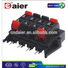 types de connecteurs d'enceintes audio; connecteurs d'insertion de fils électriques; bornes d'enceintes à bouton-poussoir