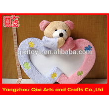 El marco en forma de corazón superventas de la foto del animal relleno del marco de la foto, marco de la foto del juguete enmarca el marco de la foto del amor con la cabeza del oso de peluche