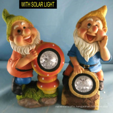 Wholesale Polyresin Dwarf with Solar Light Garden Figurine Decoration