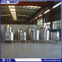 Stainless steel beer fermenter