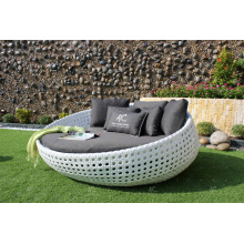 Design incroyable en polyéthylène en polyéthylène Rond en bordure de soleil pour jardin extérieur Beach Pool Resort Wicker Furniture