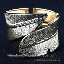 Gold Plated Alloy Steel Leaf Design Wide Broad Wrap Bracelet Bangle for Man And Women