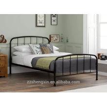 Moldura de cama de metal preto