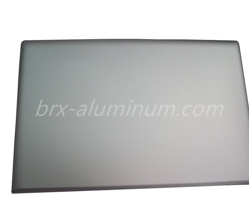 Sandblasted aluminum laptop shell