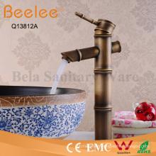 Robinet de récipient de salle de bains de corps de cuivre de forme antique de poignée en bambou antique de poignée