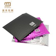 A cor feita sob encomenda autoadesiva do selo imprimiu o envoltório do encarregado do envio da correspondência de alumínio da folha de alumínio Envelopes pretos matte metálicos da bolha