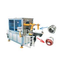 Machine automatique d'insertion de bobines de stator et de cales