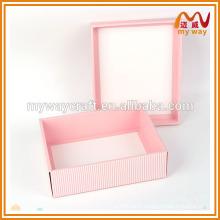 Différentes formes de boîtes à cadeaux, belle décoration de boîte cadeau de Noël