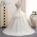 Botón con gradas rebordear vestido de boda de playa blanco Appliques de encaje