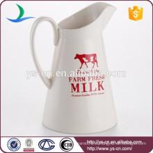 Jarra de espumación de leche de casa de cerámica blanca ecológica con estampas