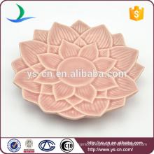 Plato de cerámica rosado al por mayor con diseño de la flor