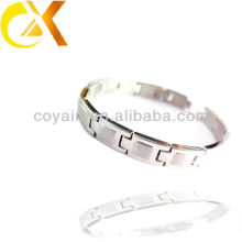 Wholesale fashion clothing jewelry accessories