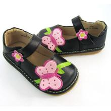 Black Big Butterfly Squeaky Schuhe Mädchen