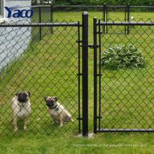 Vinil preto revestido cerca de arame e portão com design de cerca de vários
