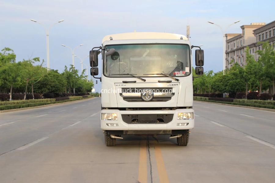 DFAC truck with spraying machine