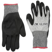 13 Gauge HPPE Liner Cut Resistant Nitrile Coated Gloves Level 5 Sand-grip Glove