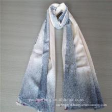 Lenço de caxemira airbrushed de cor azul com design novo novo