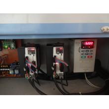 Máquina que acolcha cosiendo la máquina de costura industrial