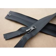 Buena calidad y pintura impermeable cremallera expuesta zip para abrigo