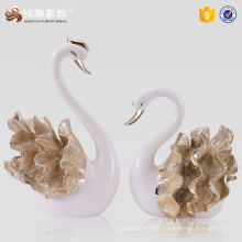 Wholesale gift items resin couple swan statues for wedding favor