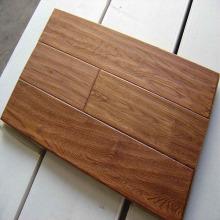 Revestimento de madeira Handscraped Chão de carvalho projetado Revestimento de madeira do parquet