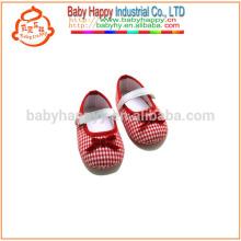 Rote Traumkleid beschuht süße Babybaumwollschuhe preiswerter Großverkauf